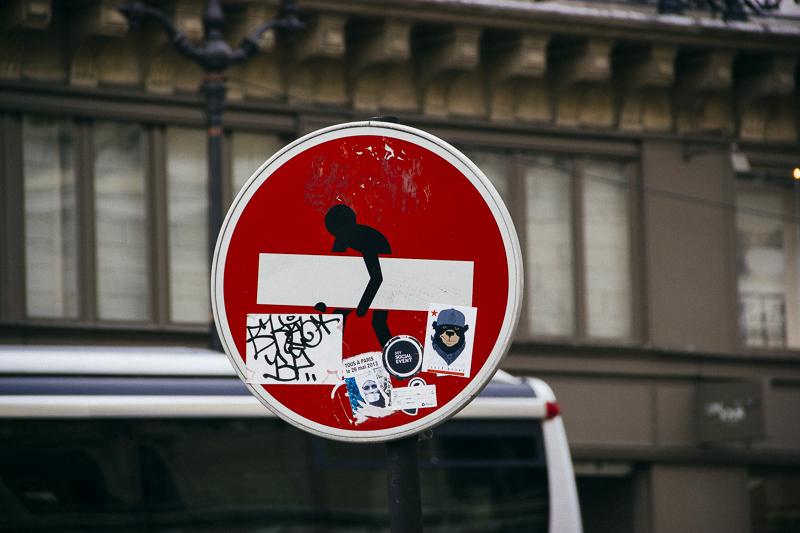 Straßenschild Paris